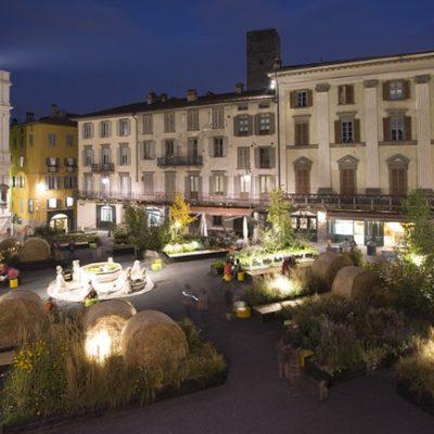 2015_Piazza-Vecchia-notturno_Platek.jpg_615295524